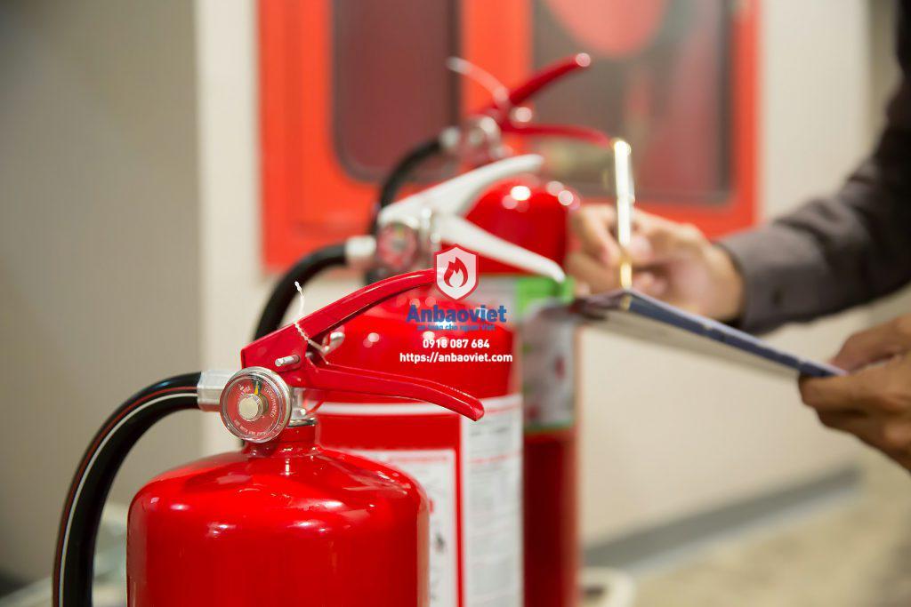 Kiểm tra bình chữa cháy